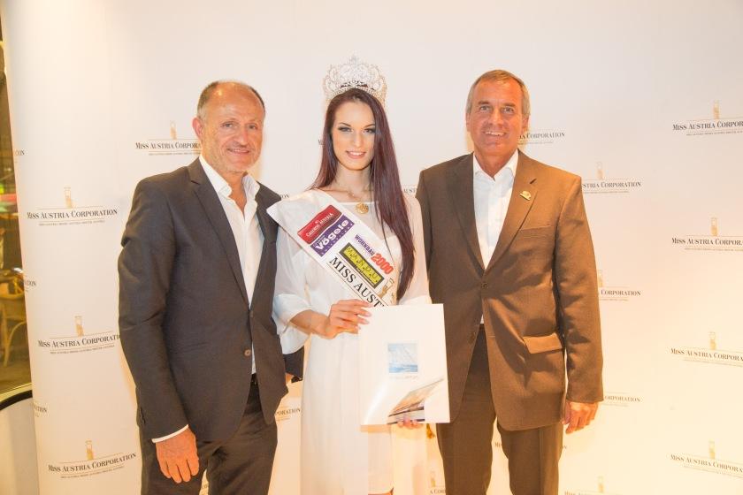 Gutschein Übergabe von Starclippers an Miss Austria 2015 - Annika Grill
