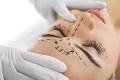 Schönheitschirurg Doz. Dr. Huemer - Natürliche, schonende Eingriffe